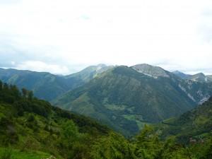 Descending Col de Spandelles