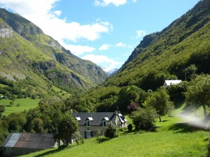 From Gedre to Cirque de Troumouse